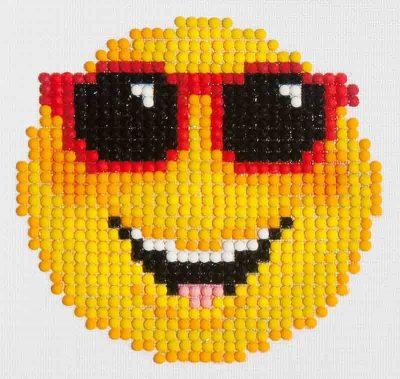 Diamond Dotz Smiling Face Design Size 10.2 x 10.2cm